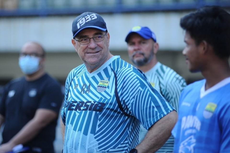 Robert Alberts Semangat Melihat Antusiasme Klub Liga 2