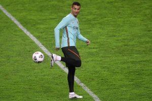 Di Ambang Rekor Terbanyak Tuk Timnas, Ronaldo: Yang Penting Portugal Juara Euro