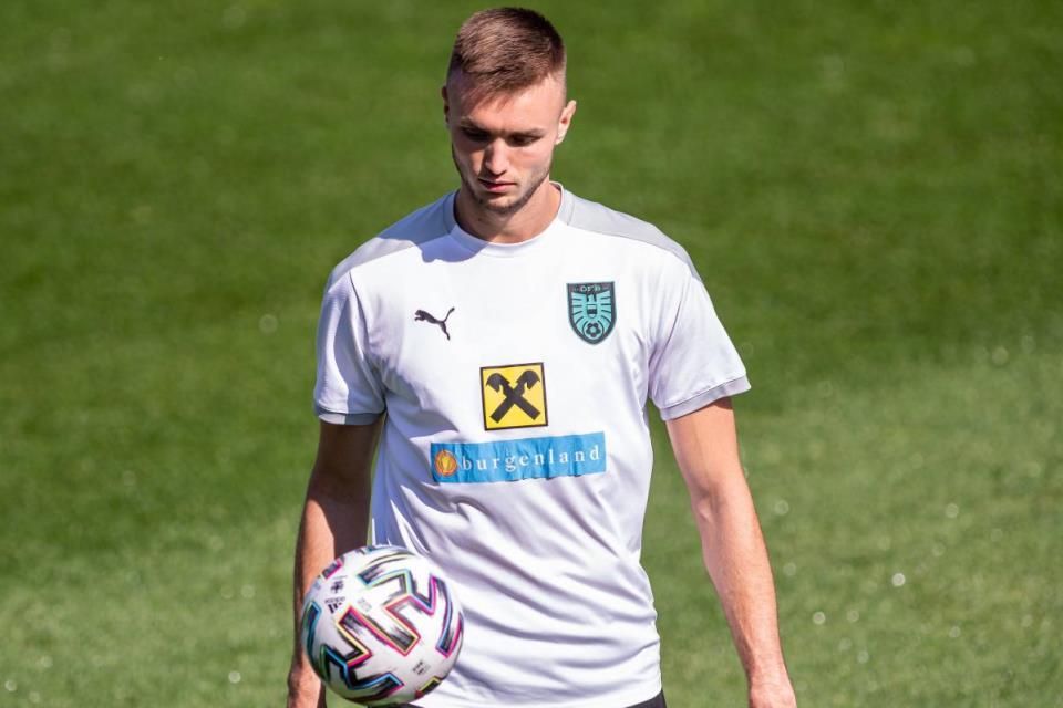 Juru Gedor Stuttgard Masuk Radar AC Milan
