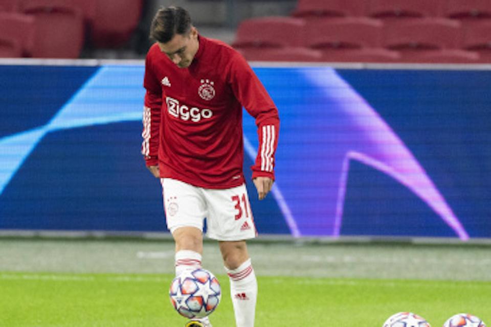 Bintang Ajax Diobral, Leeds dan Everton Bertarung