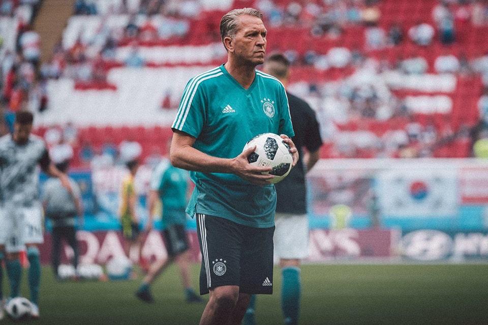 Pelatih Kiper Timnas Jerman Undur Diri