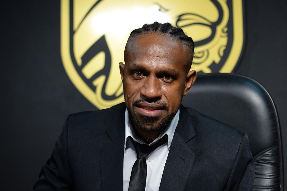 Gabung Borneo FC, Boaz Solossa Diikat dengan Klausul Khusus