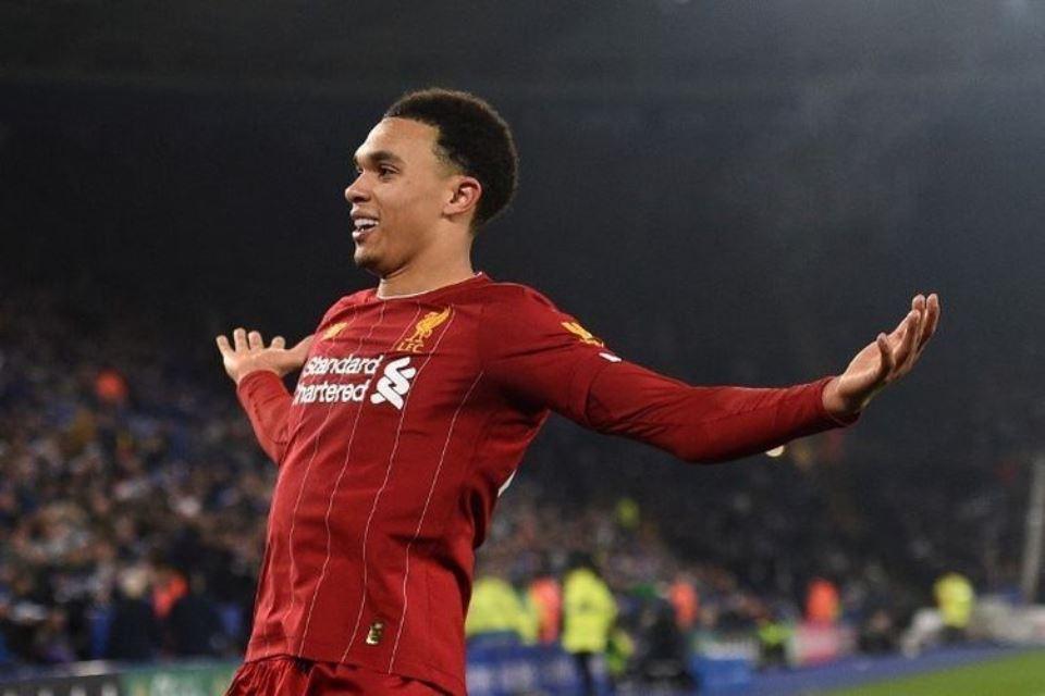 Kontraknya Diperpanjang Liverpool, Alexander Arnold: Saya Merasa Terhormat
