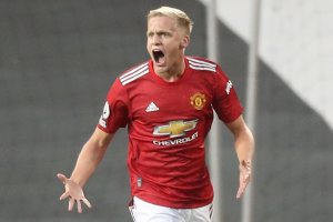 Man United Gantung Nasib Donny van de Beek