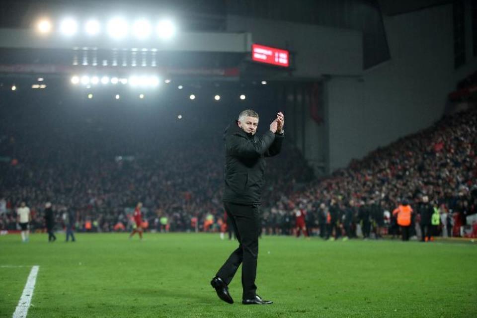 Man United Masih Puasa Gelar Juara, Rooney: Solskjaer Dalam Tekanan