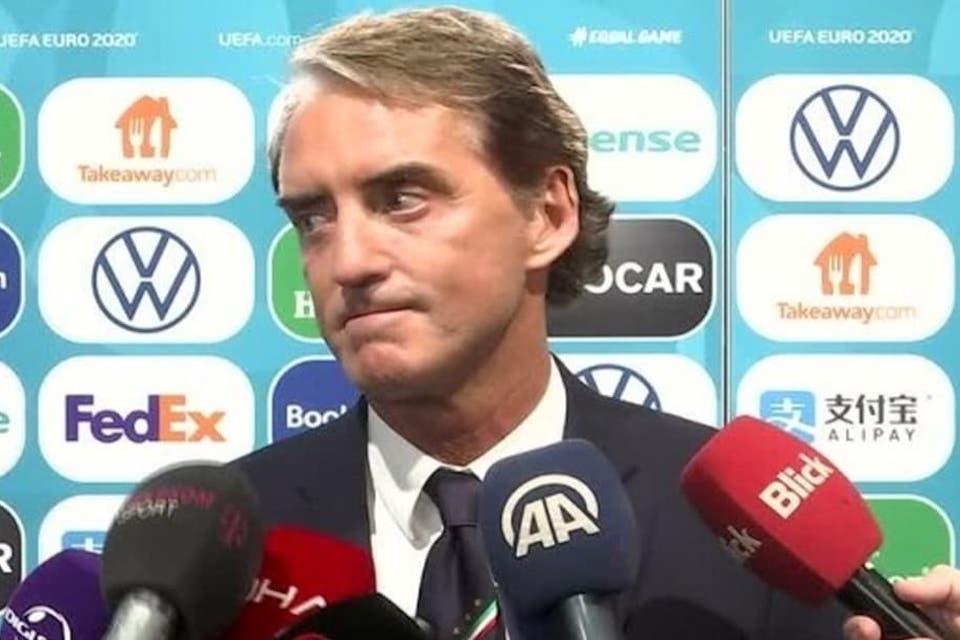 Penghormatan Mancini Pada Para Pahlawan Gli Azzuri
