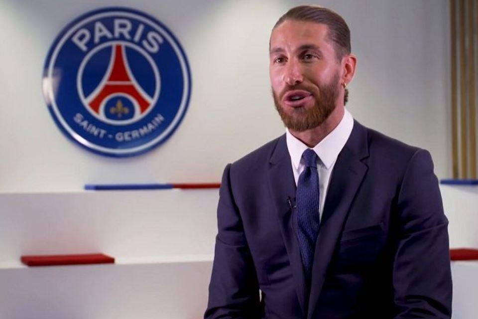 Momen Unik Sergio Ramos Lupa Dirinya Bukan Kapten di PSG