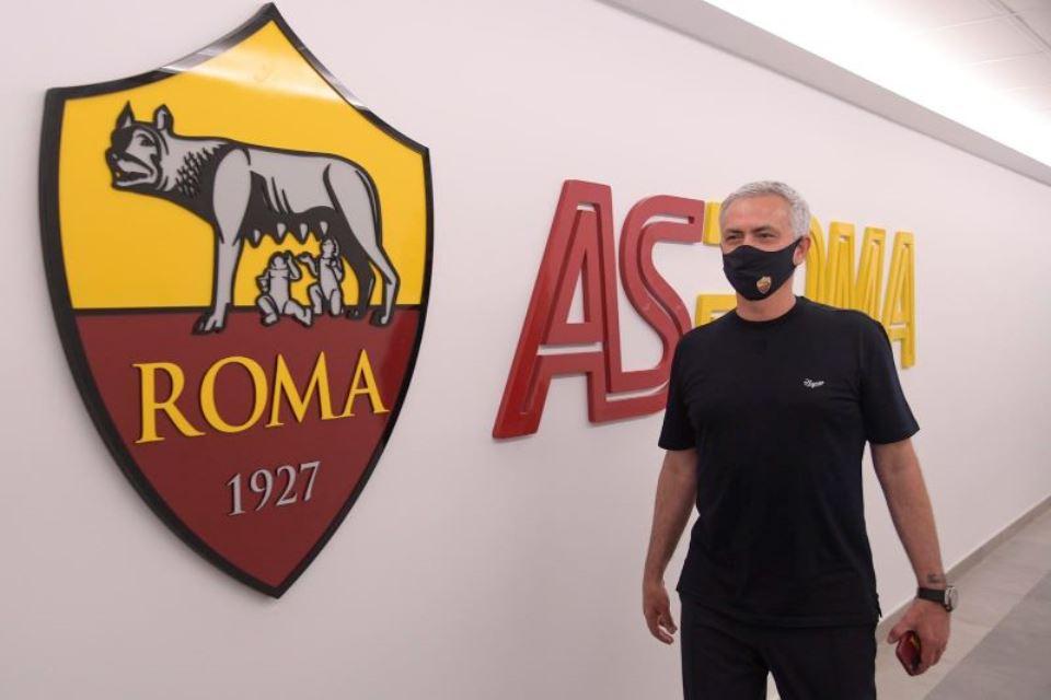 Ogah Dibebani Target Juara, Mourinho: Yang Penting Roma Oke Dulu