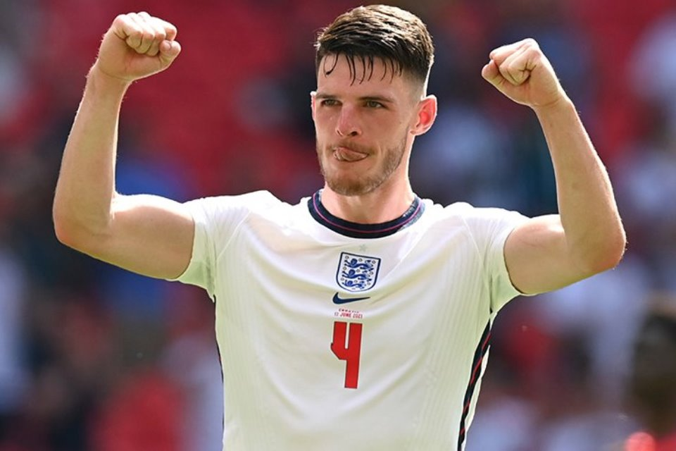 Pemain Man United di Timnas Inggris Ramai-ramai Bujuk Declan Rice Pindah