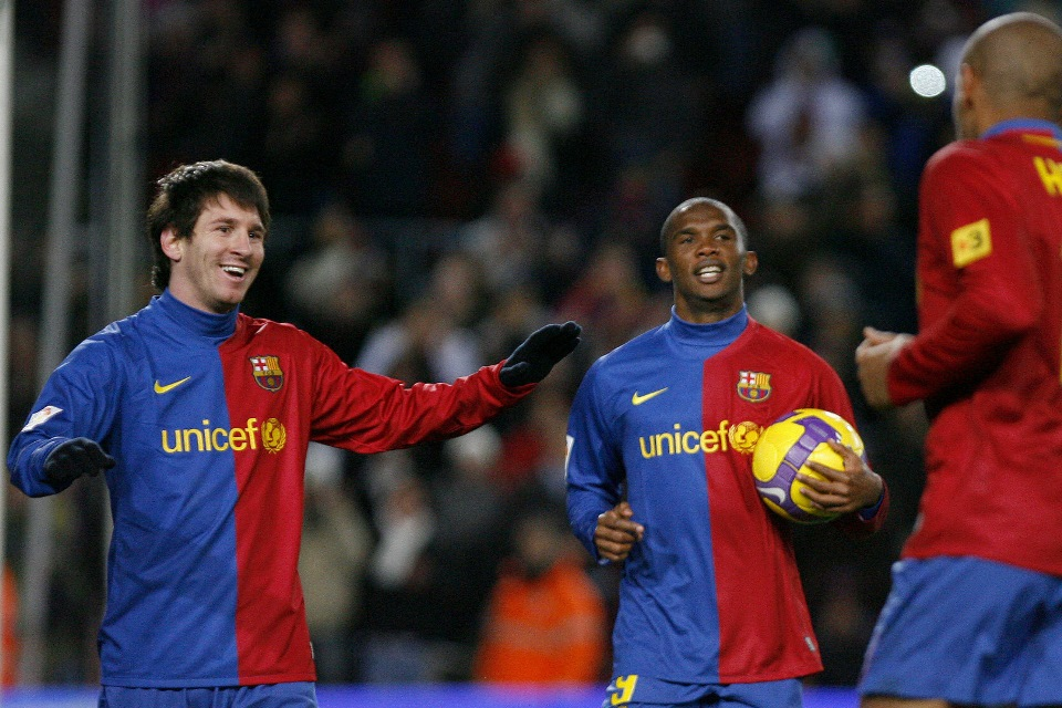 Ditanya Rasanya Main Bareng Messi, Legenda Barcelona Kesal