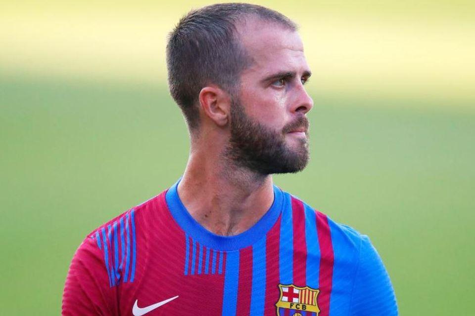 Terkait Situasi Pjanic, Barcelona Coba Yakinkan Tim Peminat
