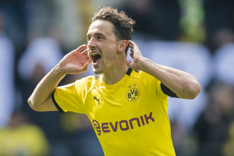 Sepasang Bintang Dortmund Segera Tinggalkan Signal Iduna Park