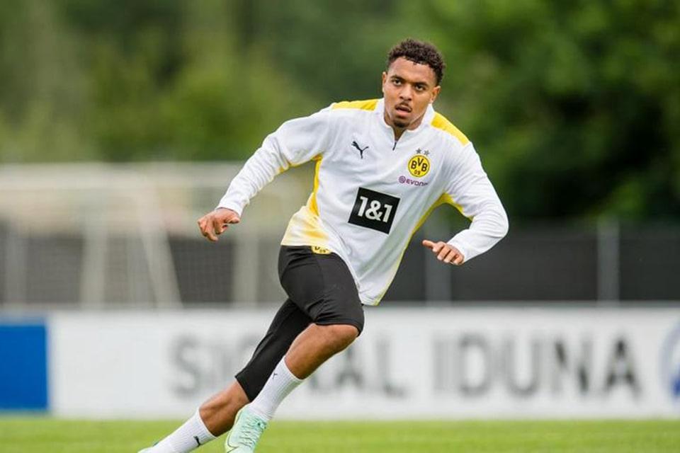 Ambisi Besar Malen Bersama Dortmund