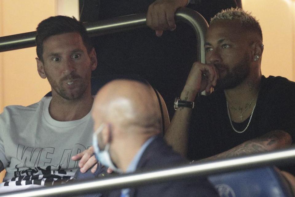 Hanya jadi Penonton saat PSG kalahkan Strasbourg, Pochettino: Messi Belum Siap Main