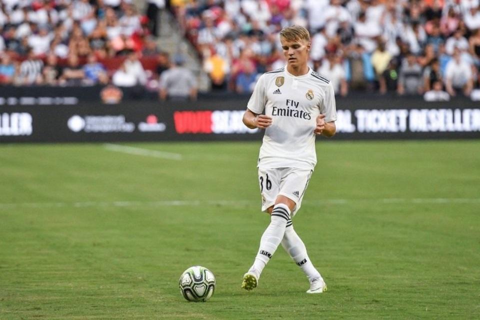 Jelang Derby London, Arsenal Tuntaskan Transfer Martin Odegaard