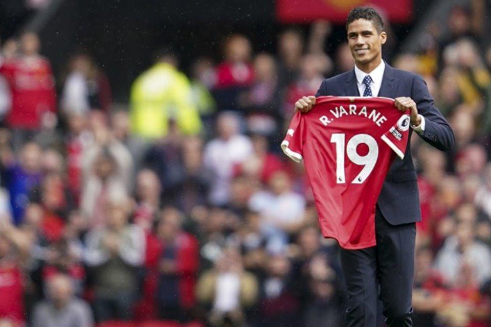Mental Juara Varane Diharapkan Bisa Menular ke Skuad Man United