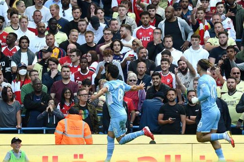 Miris! Gol-Gol Man City Berbuah Standing Ovation dari Fans Arsenal