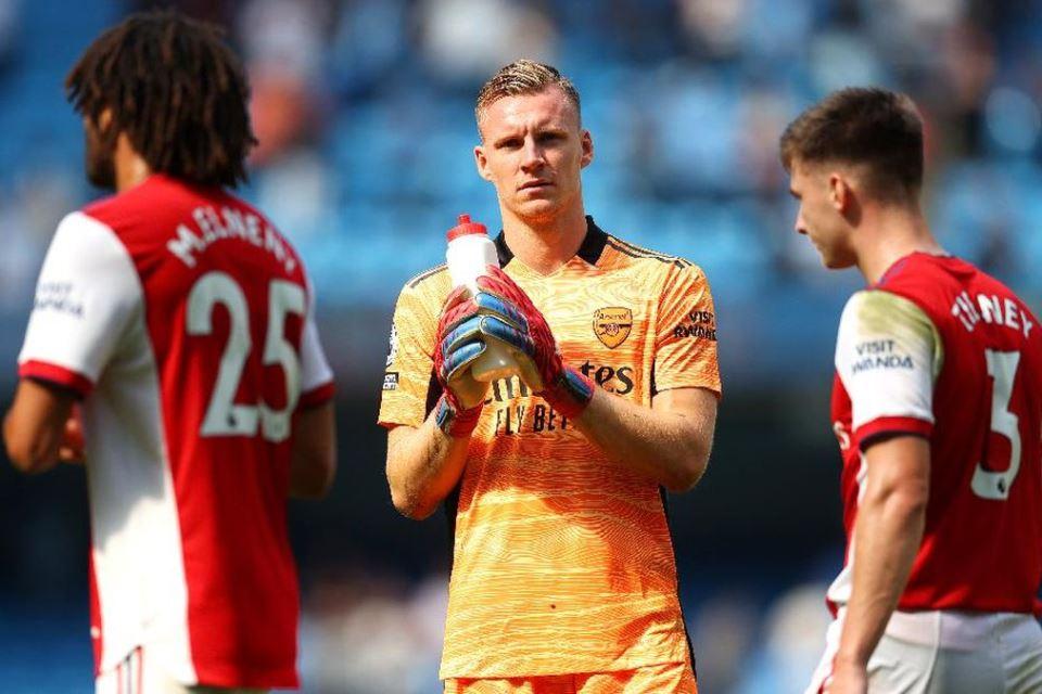 Dibantai City, Legenda Semprot Tiga Pemain Arsenal
