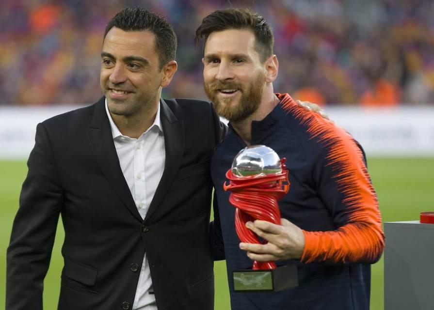 Xavi Hernandez Sedih Messi Tak Bermain untuk Barcelona Lagi