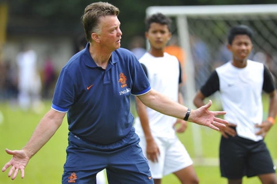 Dituding Tiru Gaya Main Chelsea, Van Gaal: Mereka Juara Liga Champions