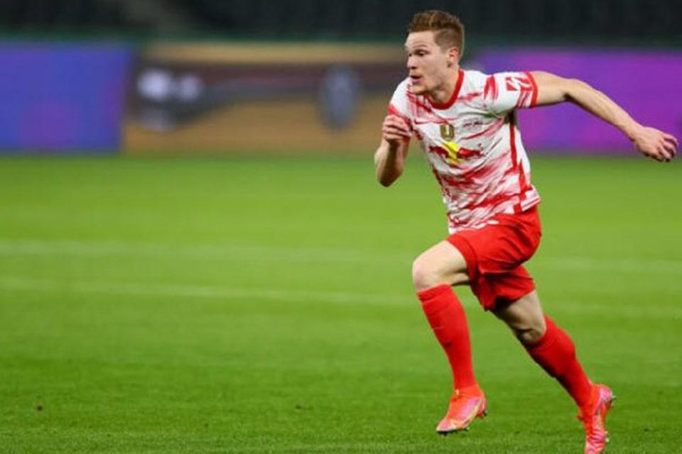 RB Leipzig Siap Lepas Bek Seniornya Musim Depan