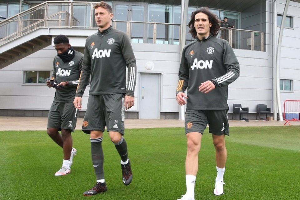 Mulai Berlatih, Edinson Cavani Siap Main Lawan Aston Villa?