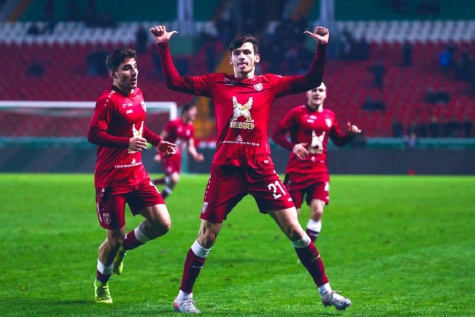 Bintang Timnas Georgia Diperebutkan Dua Tim Premier League
