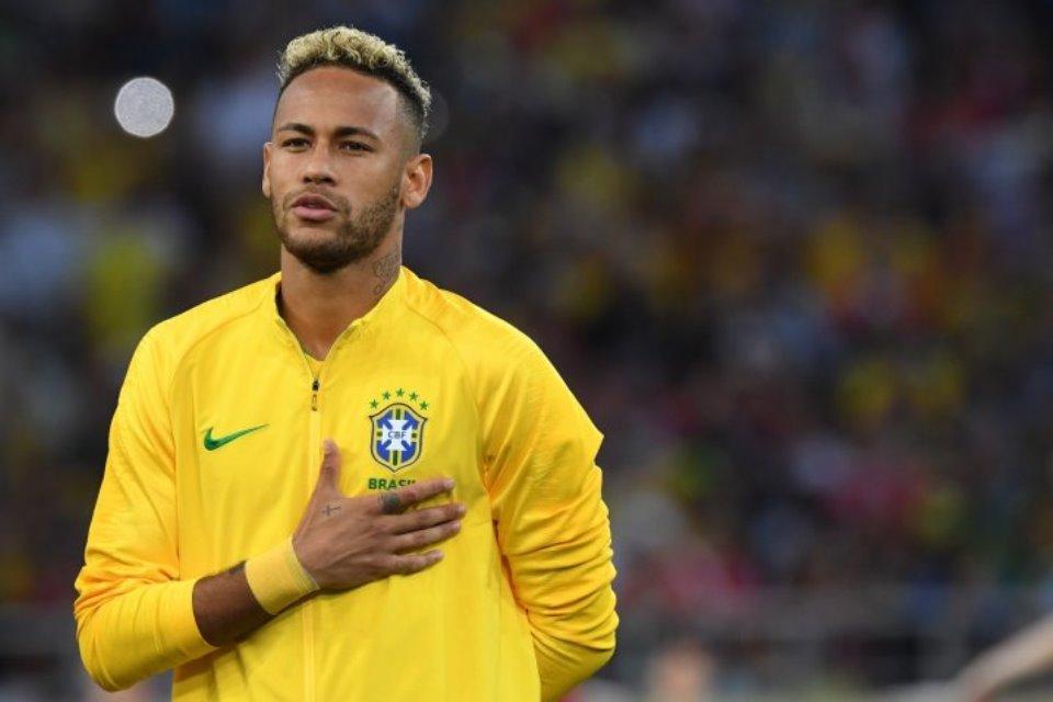 Neymar Diminta Batalkan Niat Pensiun dari Timnas Brasil