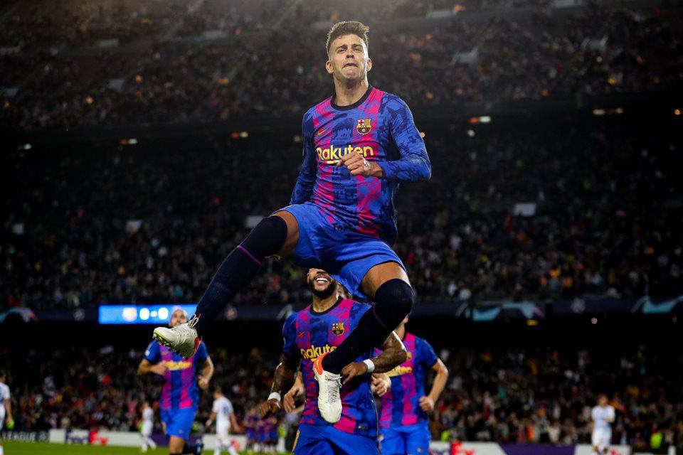 Rekor Gemilang Gerard Pique di Liga Champions usai Bantu Barcelona Kalahkan Shakhtar Donetsk