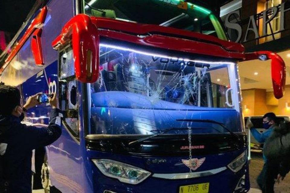 Fans Persebaya Meminta Maaf Atas Perusakan Bus Oleh Oknum Suporternya