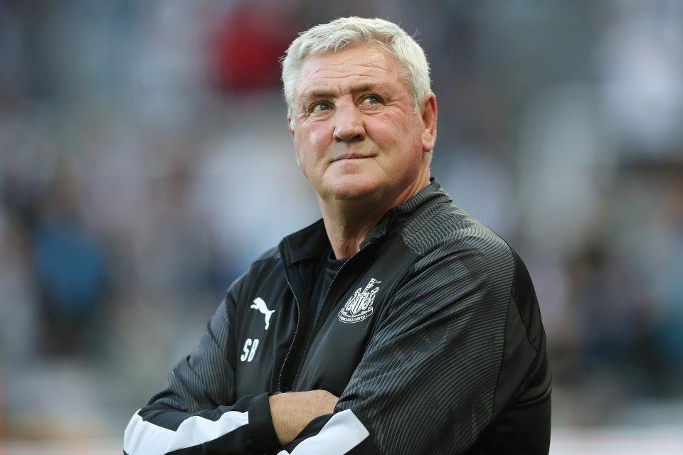 Soal Rumor Gerrard, Para Fans Newcastle Diminta Hormati Steve Bruce