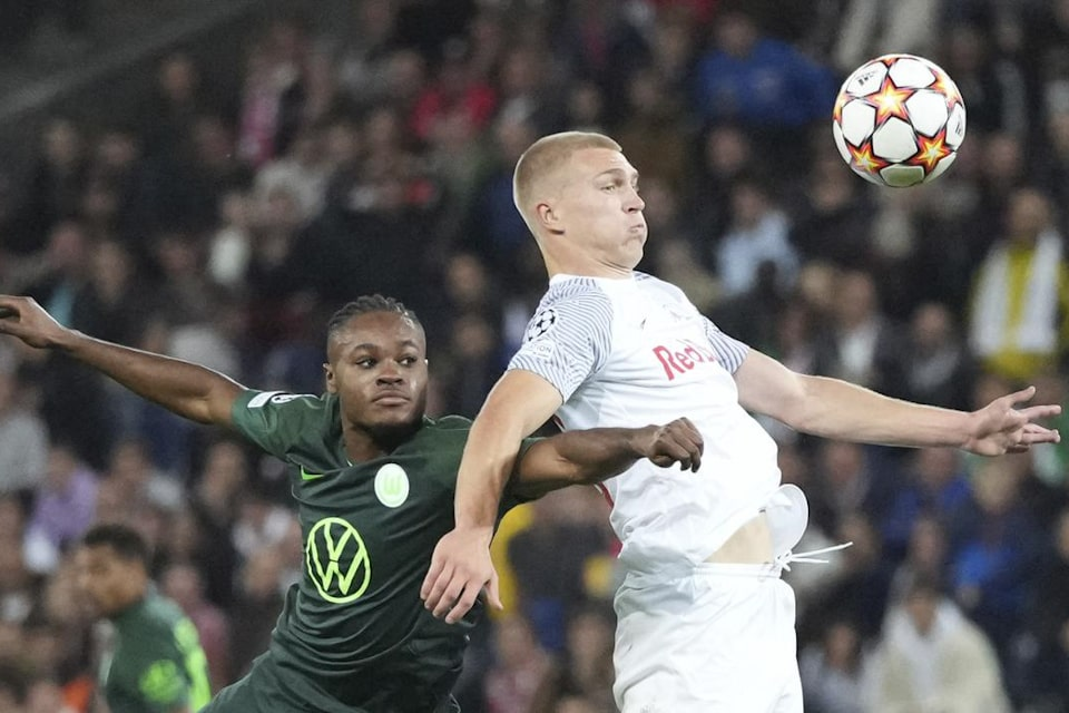 Skuad Wolfsburg Keluhkan Koordinasi Antar Lini