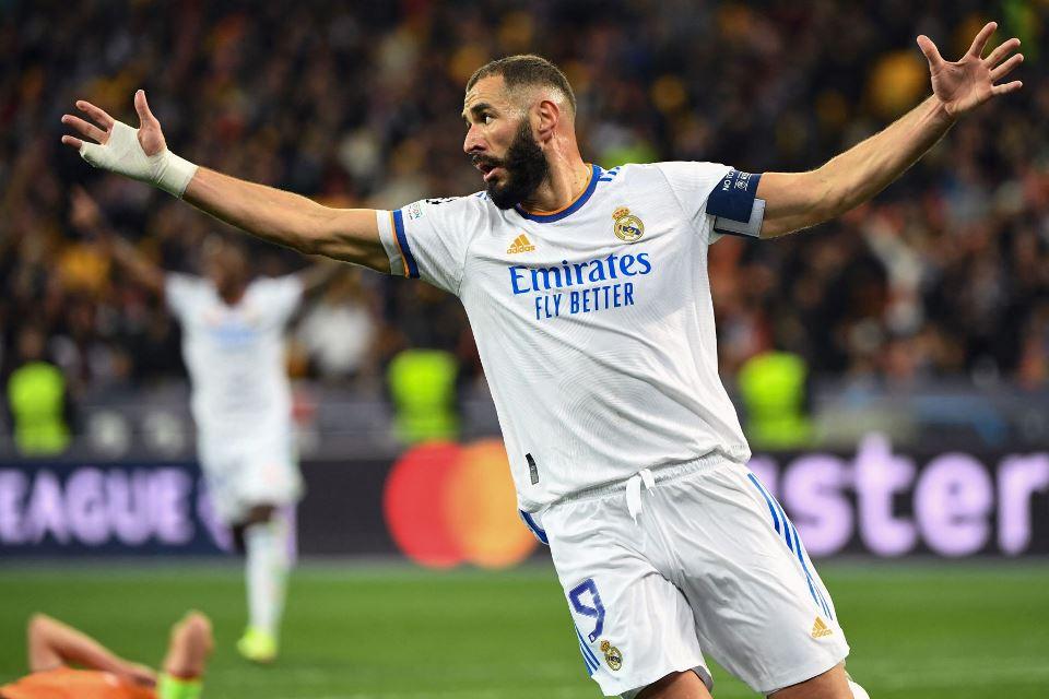 Selain Rajin Bikin Gol, Benzema Adalah Pemimpin yang Baik bagi Madrid